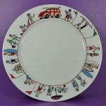 assiette family surf par assiettes et compagnie est une création originale fabriquée en france par revol porcelaine