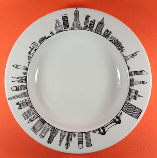 plat new york de la collection carnet de voyages création exclusive pour assiettes et compagnie, dessin par béatrice pene, fabrication française