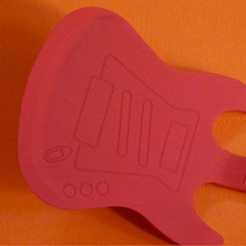 spatule guitare rouge silicone