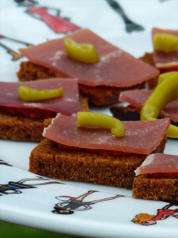 assiettes et gourmandises blog archive pain epices piment tomates jambon. Black Bedroom Furniture Sets. Home Design Ideas