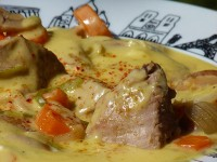 recette blanquette de veau au gingembre présentation sur un plat assiettes et compagnie collection paris edite par la maison Revol