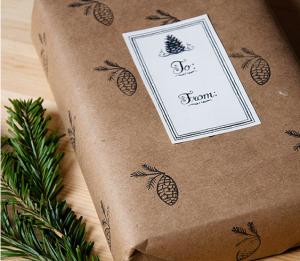 étiquette de noel pour faire de jolis paquets cadeaux maison sur assiettes et gourmandises