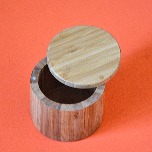 petit pot en bambou pour ranger vos épices ou du pros sel ou tout autre type de trésors, en bois de bambou avec une fermeture magnétique