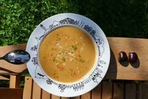 soupe-chataigne-assiette-soupe-pays-basque