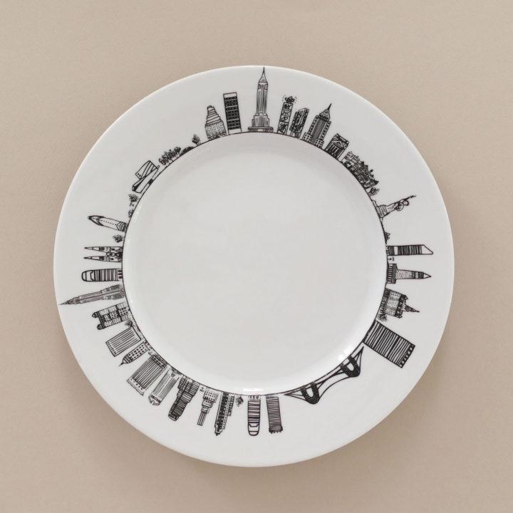 le plat plat new york par assiettes et compagnie c'est un véritable carnet de voyage dans la ville - une création assiettes et compagnie éditée par le porcelainier Revol - made in france