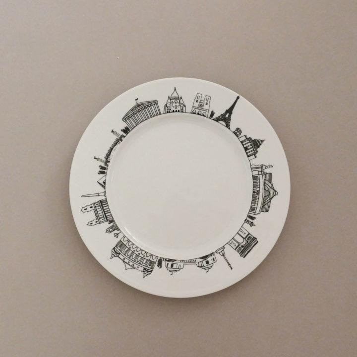 l'assiette Paris pour visiter la capitale de FRance en un coup de fourchette ! made in france dans la manufacture Revol et une création Assiettes et compagnie