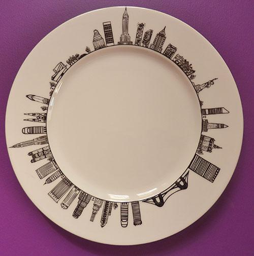 assiette new york pour visiter big apple en un coup de fourchette, une création assiettes et compagnie pour la maison Revol, fabrication française