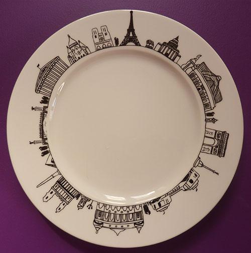 l'assiette Paris d'assiettes et compagnie est une création originale et exclusive, éditée par les ateliers Revol et dessinée par Béatrice Pene
