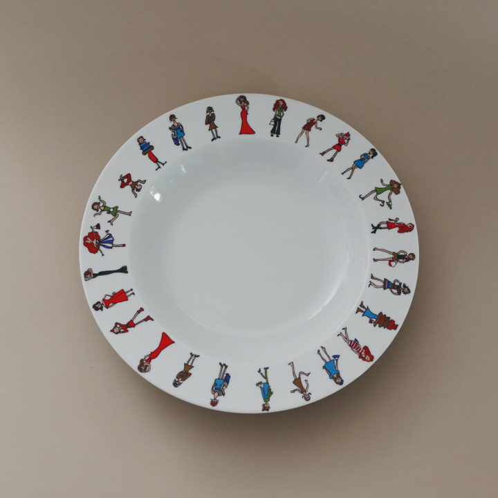 plat creux I love shoopping, une collection exclusive d'assiettes et compagnie fabriquée en france par revol porcelaine, un plat creux pratique comme un plat à gratin qui va à tous les fours et au lave vaisselle
