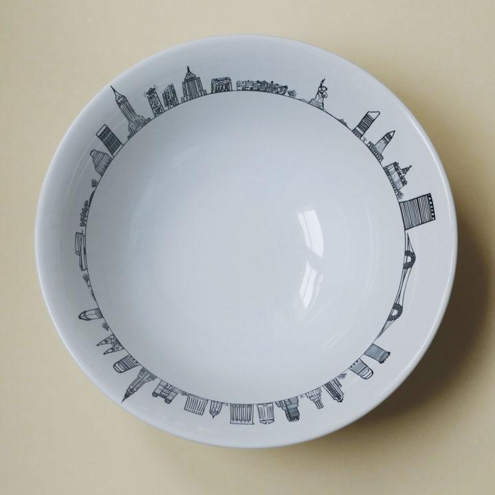saladier carnet de voyage à new york par assiettes et compagnie, éditée par la maison revol, porcelaine made in france; création originale d'assiettes et compganie