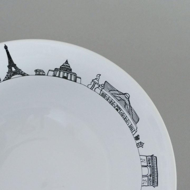 saladier carnet de voyage à paris par assiettes et compagnie, éditée par la maison revol, porcelaine made in france; création originale d'assiettes et compagnie