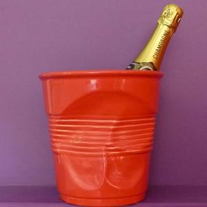 seau à champagne en porcelaine rouge par revol porcelaine fabrication française