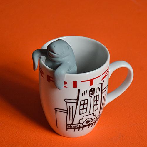 un lamantin pour infuser votre thé, ça ce n'est pas banal