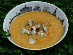 soupe-legumes-roquefort-2