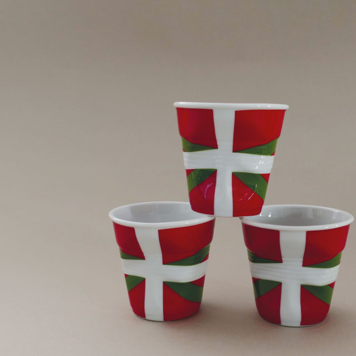 coffret de 3 tasses Pays basque, tasses revol collection flags dessinée par béatrice pene