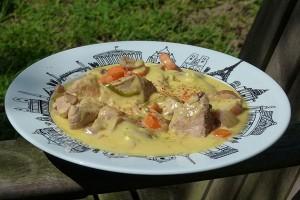 blanquette de veau au gingembre sur un plat paris par assiettes et compagnie