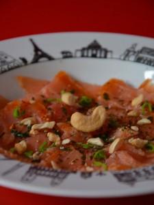 pamplemousse et saumon sur assiette paris par beatrice pene