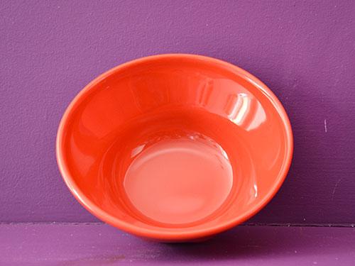 bol froissé en porcelaine rouge par Revol porcelaines, made in france