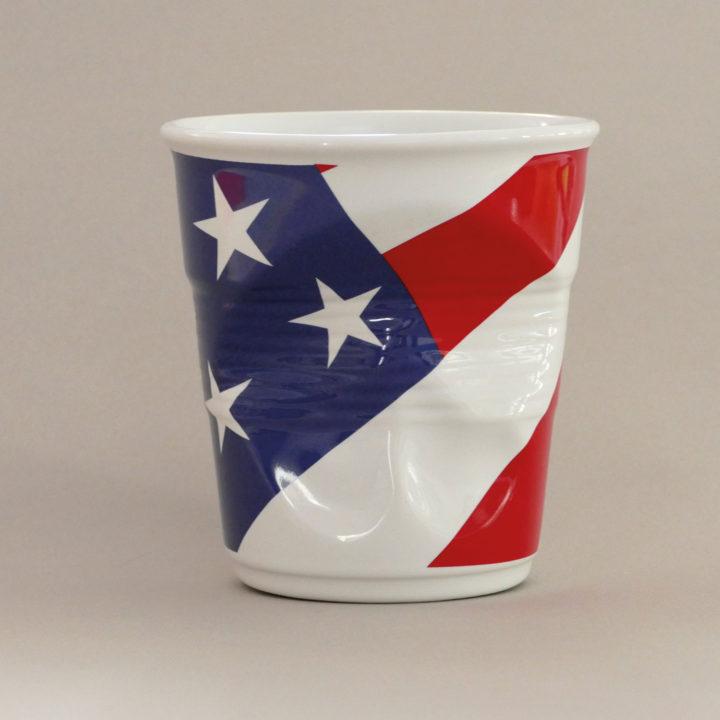 pot à unstensiles USA par Revol porcelaine sur une idée originale de béatrice pene et assiettes et compagnie