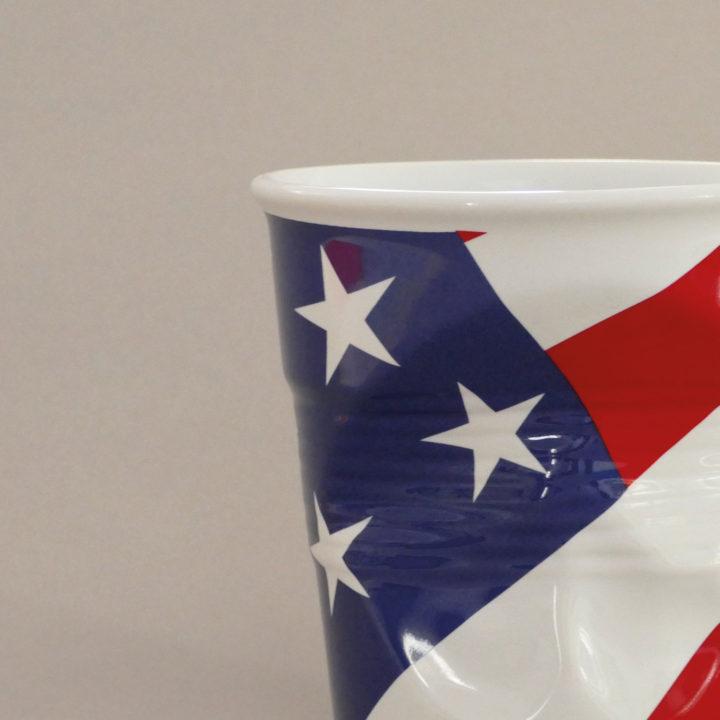 pot à ustensiles USA par Revol porcelaine sur une idée originale de béatrice pene et assiettes et compagnie