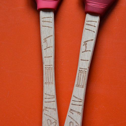 spatules en silicone avec le dessins des cupcakes, un duo de mini spatules pour cuisiner au quotidien