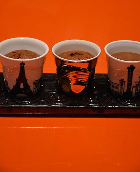 des fondants au chocolat et au gingembre recette coquine pour la saint valentin avec les tasses revo