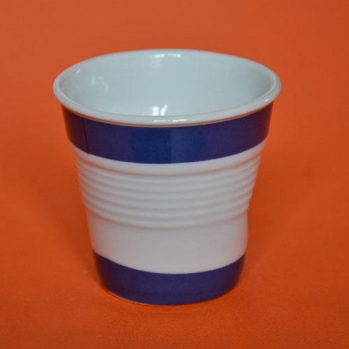Israel s'affiche aussi en tasse à café Revol avec son drapeau revisitée; porcelaine fabriquée en France, design par béatrice Pene
