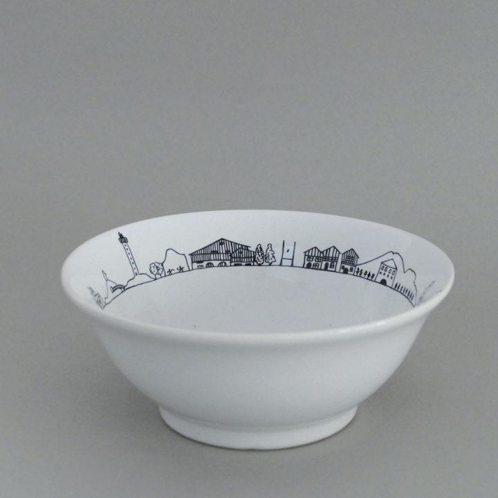 coupelle pays basque par assiettes et compagnie, éditée par la maison revol, porcelaine made in france; création originale d'assiettes et compagnie