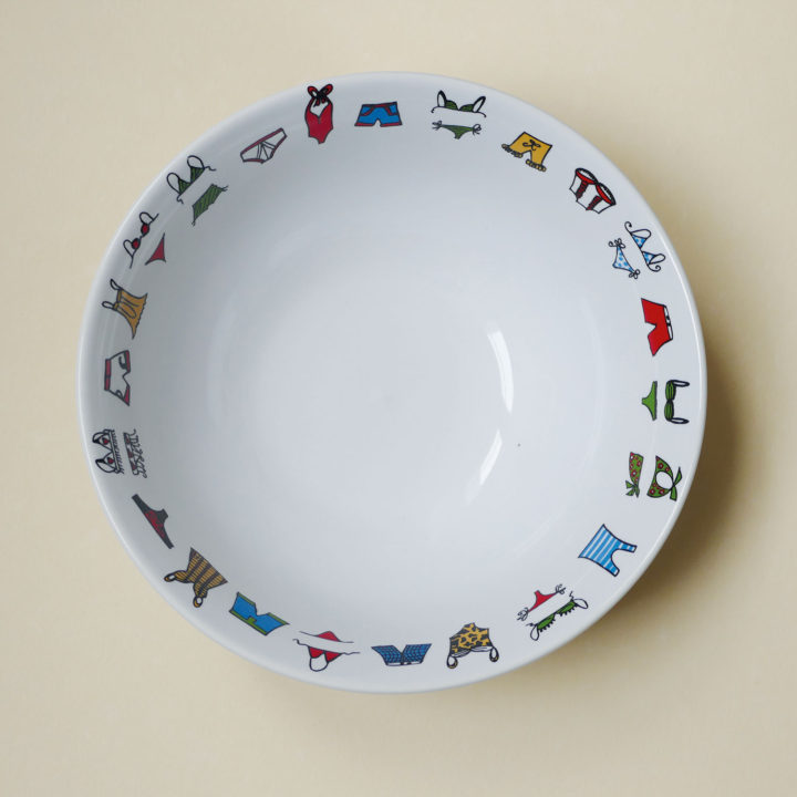 coupelle maillots par assiettes et compagnie, éditée par la maison revol, porcelaine made in france; création originale d'assiettes et compagnie