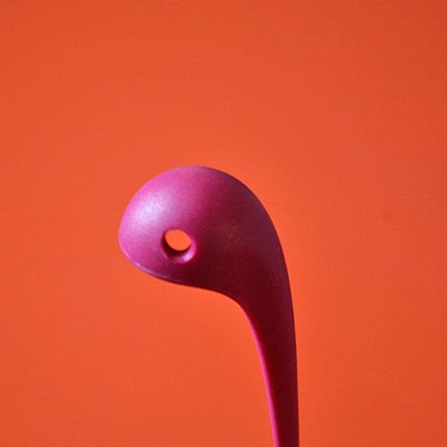 louche Nessie pour mettre un monstre sur votre table avec beaucoup d'humour, cette louche monstre du loch ness est en couleur et sera parfaite aussi pour les cocktails maiso