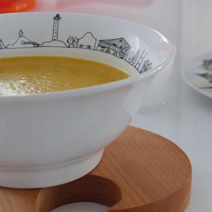 saladier carnet de voyage au pays basque par assiettes et compagnie, éditée par la maison revol, porcelaine made in france; création originale d'assiettes et compganie