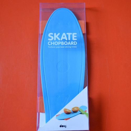 ce skate est une planche à découper et sera le premier skate à entrer dans votre cuisine avec autorisation, très pratique et coloré, les enfants vont l'adore