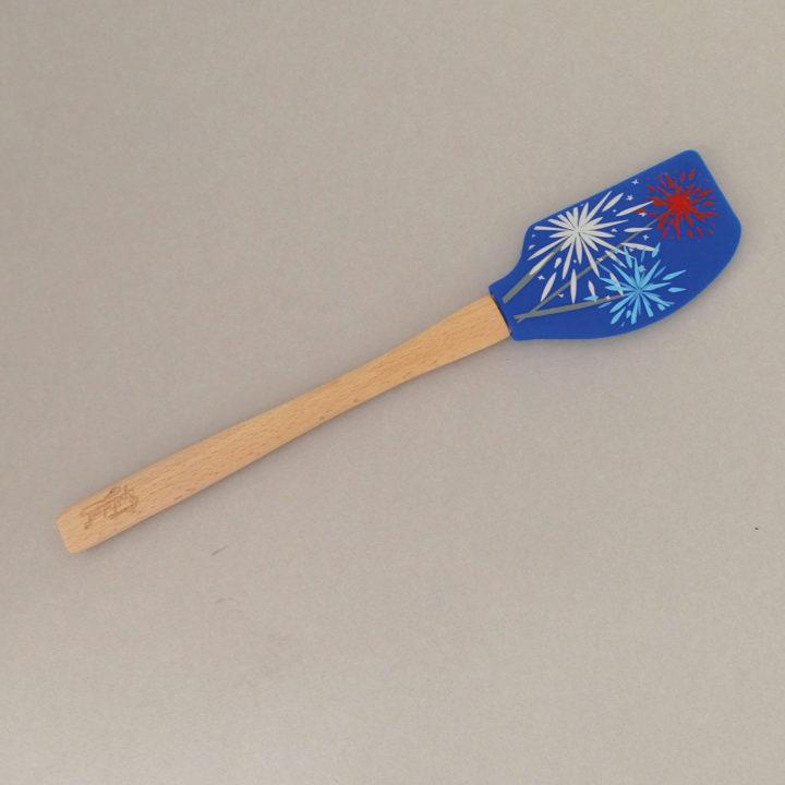 spatule feu d'artifice par tovolo, une sélection d'assiettes et compagnie
