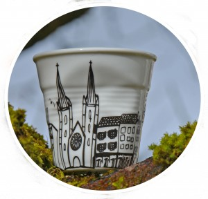 tasse Bayonne par assiettes et compagnie, un modèle original édité par la maison revol