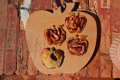 planche à découper pomme , évocation de New york la big apple