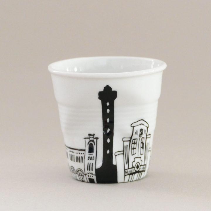 la tasse biarritz vous propose le tour de cette si jolie ville balnéaire du pays basque, perle de la côte basque, la tasse est entièrement fabriquée en france par les ateliers de porcelaine Revol