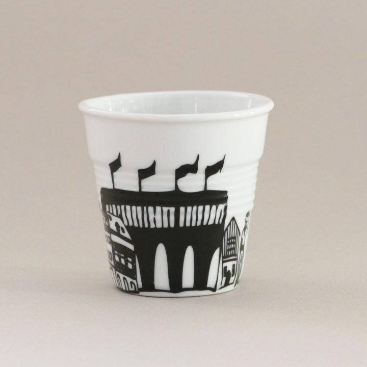 tasse bayonne tasse froissée revol création exclusive pour assiettes et compagnie