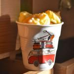 la tasse cappuccino collection capsule La Plage par béatrice pene pour Assiettes & compagnie, une nouvelle série de tasses à café et pots ustensiles fabriqués en France par la manufacture Revol