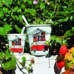 tasse cappuccino La plage avec le combi VW, idéale pour le thé ou le café allongé - fabrication française par Revol - design original Béatrice Pene pour Assiettes et compagnie