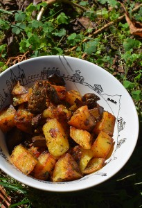 pommes de terre sautées aux cèpes dans un petit saladier Pays basque par assiettes et compagnie