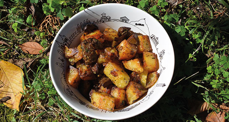 pommes de terre aux cèpes pour profiter des champignons au pays basque avec un bol basque - recette de béatrice pour assiettes et gourmandises