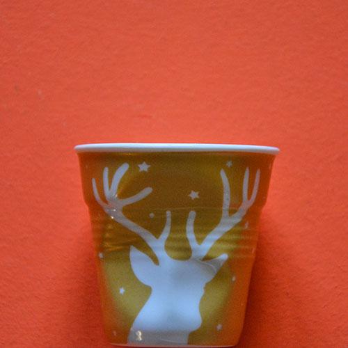 tasse Revol grand cerf, édition limitée noel 2016 pour cette tasse à café blanche avec un dessin doré