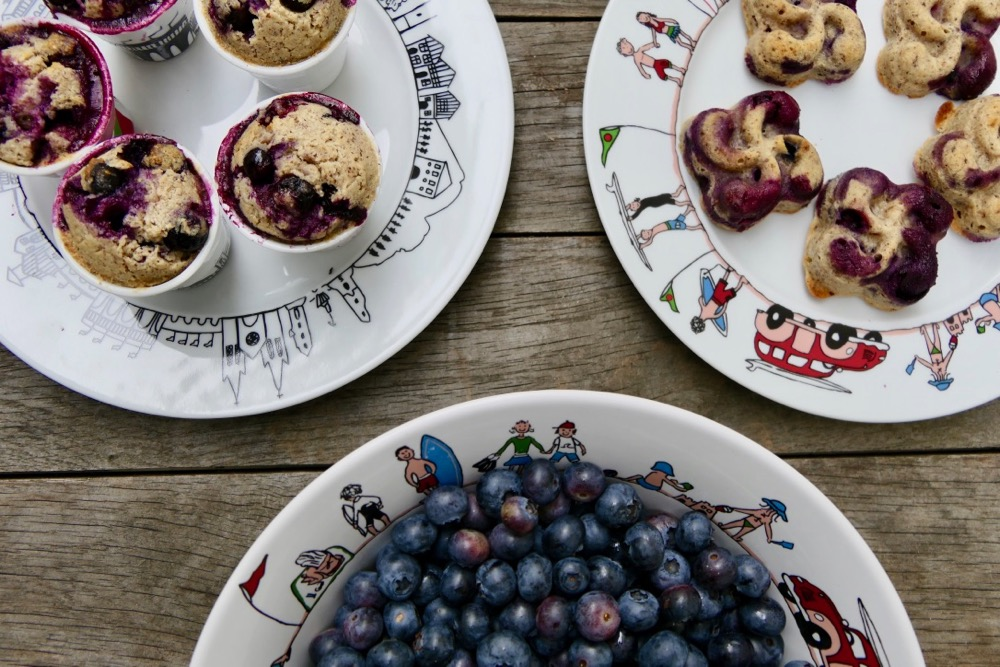 les desserts de l'été se déclinent avec des fruits rouges ou gorgés de soleil.... une série de recettes sur assiettes et compagnie