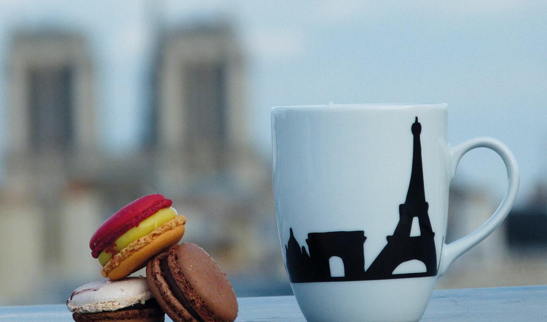 les mugs à thé, tous les modèles d'assiettes proposés par assiettes et compganie, les créations exclusives et celles de la maison revol - made in france