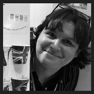 béatrice lassus pene est la créatrice d'assiettes et compagnie à biarritz, une société de création d'art de la table made in france