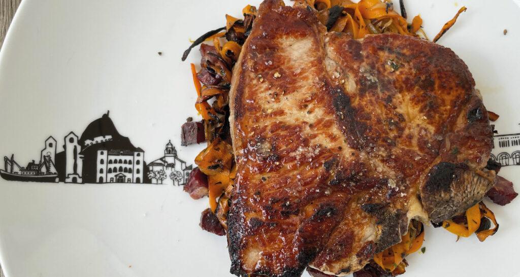 cote de veau sur plat saladier pays basque, une recette délicieuse avec un veau pyrenaica